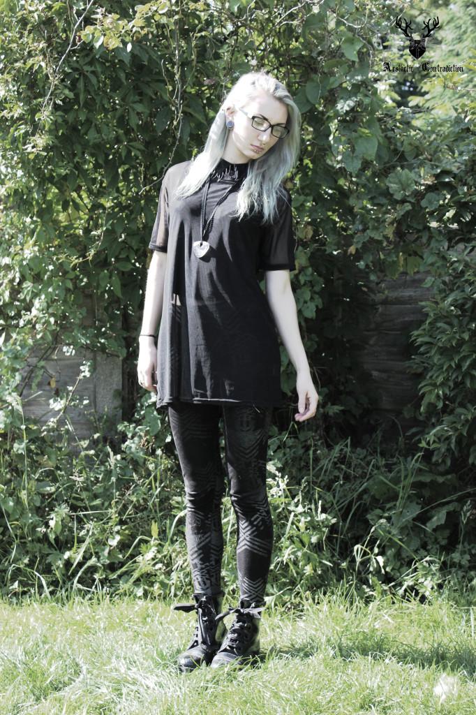 black tee 2