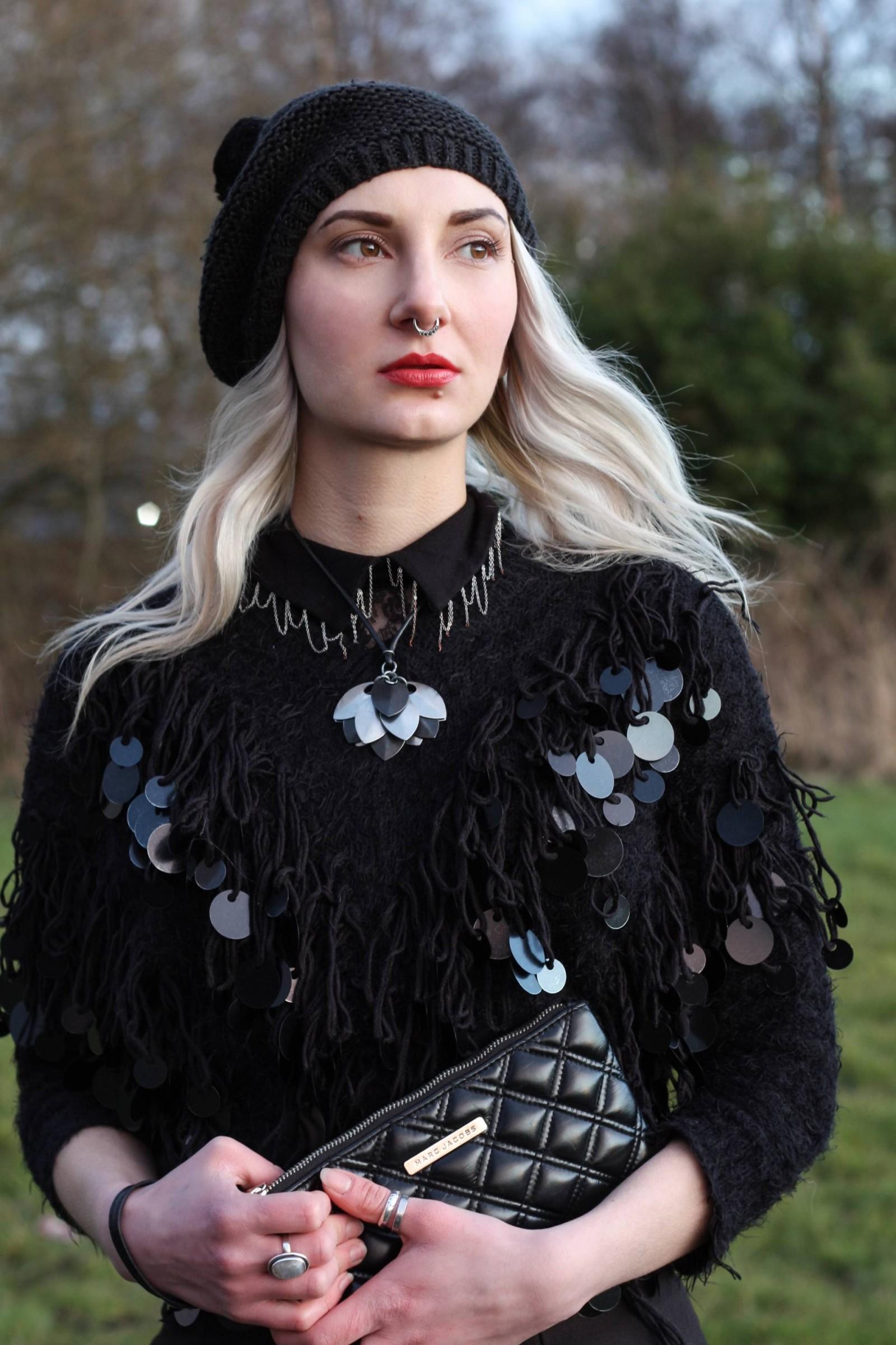 dark style blogger textured juper with chains sunset 5